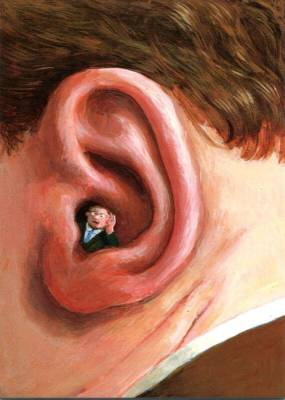 MannImOhr peinture de Michael Sowa. Gros plan d'une oreille contenant un homme qui tend l'oreille.