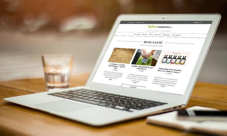 Portable affichant la page d'accueil de Blog.1001pharmacies.com